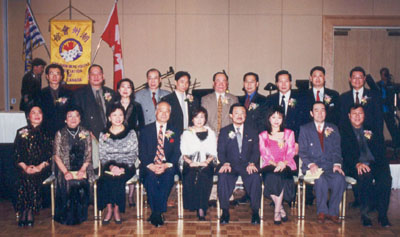 Honorary President Geoffrey Lau and the directors newly sworn into office. Lau supervised the event.